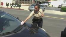 Proponen ampliar el tiempo de aviso sobre zonas restringidas de estacionamiento en Los Ángeles