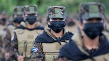 Bukele anuncia que duplicará el tamaño del ejército para combatir a las pandillas en El Salvador