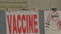 Más compañías en EEUU implementan requisitos de vacunación contra el covid-19