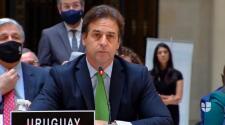 Presidente de Uruguay le canta Patria y Vida a Díaz-Canel en cumbre de la CELAC