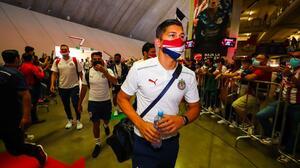Un Chivas muy concentrado fue recibido con 'pasillo' de sus fans