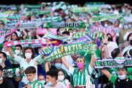 Real Betis derrota 3-2 al Rayo Vallecano en el Benito Villamarín, durante la J10 en La Liga. Alexandre Moreno Lopera (22'), Juanmi Jiménez (24') y Willian José de penal (75') les dieron la victoria a los locales, mientras que Randy Nteka (45+1') y Álvaro García Rivera (65') descontaron para los visitantes; Andrés Guardado y Diego Lainez ingresaron al 70.