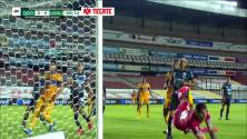¡GOOOL! Diego Reyes anota para Tigres.