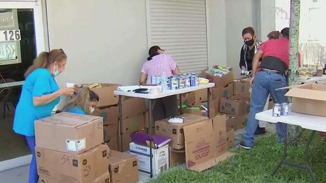 Iglesia en Miami une esfuerzos para recolectar y enviar ayuda humanitaria a Cuba