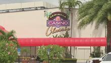 Investigan los motivos de una explosión en un casino de Hollywood que deja heridas a 26 personas