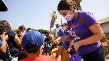 Más de 5,000 niños en Los Ángeles han sido diagnosticados con coronavirus en sus escuelas en las últimas dos semanas