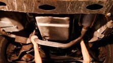 Así operan los delincuentes dedicados al robo de los convertidores catalíticos de autos en el sur de California