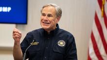 Juez bloquea orden que permitió a policías detener vehículos que transporten indocumentados en Texas