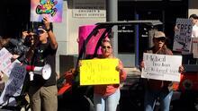Protesta en Fresno por mandato de vacuna obligatoria a estudiantes
