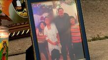 Con flores y velas, despiden a una familia hispana que fue asesinada a tiros en Texas