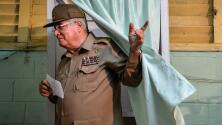 """""""No es suficiente"""": reacciones ante sanciones impuestas por EEUU a Ministro de Defensa cubano y Boinas Negras"""