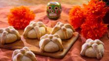 Saborea el postre de la temporada: galletas de pan de muerto