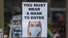 """""""No llevarla será peligroso"""": expertos en Houston sobre la importancia de usar mascarilla en espacios bajo techo"""