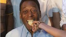 Pelé celebra sus 81 años; Santos brasileño le rinde homenaje