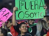 Osorio, el malvado de la barba rala de la selección mexicana ¿Crees que debe renunciar?