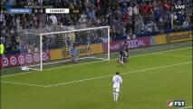 ¡Peligro en la portería! Una jugada fuerte defensiva de Coulibaly mantiene vivo a LA Galaxy
