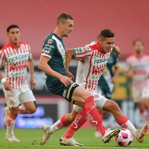 ¡Malagón luce! evita el primer gol del Puebla