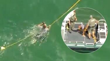 Con helicópteros y lanchas lograron detener embarcación que amenazaba con atropellar a bañistas en Florida