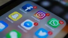 """""""Es algo inexplicable"""": experto analiza la caída de Facebook, Instagram y WhatsApp, que afectó a millones"""