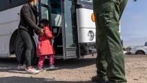 Sigue la espera de unas 500 niñas migrantes no acompañadas que serán albergadas en Houston