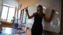 ¿Qué pasará con maestros de Escuelas Públicas de Chicago que decidan no vacunarse contra el coronavirus?
