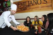 Matías Vuoso fue nombrado empleado del mes en pizzería de Torreón