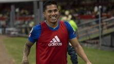 Carlos Salcedo aparentemente se burló de Cruz Azul