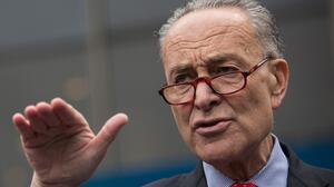 Nuevo plan del Senado para indocumentados se limita a una protección de deportación