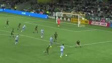 Con golazo al estilo Ronaldinho, Benny Feilhaber abre el marcador para Sporting KC