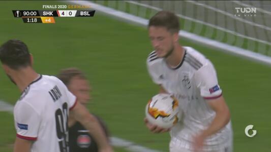 ¡Muy tarde llega el 4-1! Basel logra el gol del honor a través de Rick van Wolfswinkel