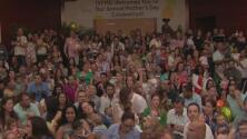 Así fue la emotiva celebración del Día de la Madre para decenas de mujeres del sur de Florida