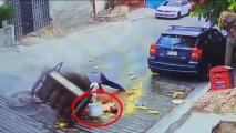 Ayudan a vendedor que tras resbalarse le cayó una olla con agua hirviendo