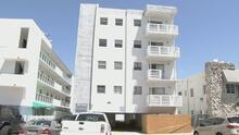Ordenan desalojar un edificio de alquiler en Miami Beach cuyo dueño es el alcalde de Surfside