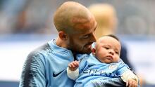 En fotos: el festejo más especial y conmovedor de David Silva en la goleada del Manchester City