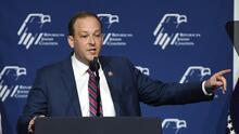 Republicano Zeldin anuncia su candidatura a la gobernación de Nueva York y ataca a Andrew Cuomo