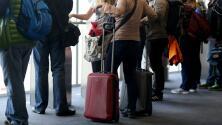 Pareja hispana es acusada de robar equipajes en el Aeropuerto Internacional de Miami