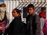 """""""Mi corazón está herido"""": las historias de tres familias que venían en la caravana migrante"""