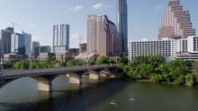 Condado Austin-Travis disminuye a la etapa 3 el riesgo por covid-19
