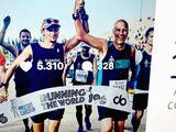 Por qué un banquero de 30 años abandonó su trabajo para convertirse en el primero en correr todos los maratones del mundo