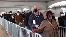 A pesar del aumento de contagios por coronavirus en Chicago, autoridades descartan nuevos cierres