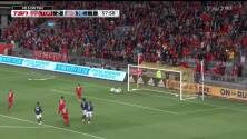 Víctor Vázquez quema las redes desde el punto penal y Toronto ya gana 3-1 sobre New England