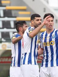 Porto se impone ante CD Nacional con marcador de 1-0 en la Primeira Liga. El gol fue por parte de Mehdi Taremi al minuto 20, quien ha sido goleador en los últimos tres encuentros de los 'Dragones Azules'. La escuadra del mexicano Jesús 'Tecatio' Corona sigue ocupando la segunda posición dentro de la liga portuguesa.