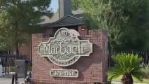 Inquilinos denuncian falta de limpieza en apartamentos tras el hallazgo de un cadáver