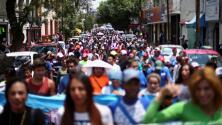 """""""Ya nos queremos ir"""": madres de la disuelta caravana de migrantes en México"""
