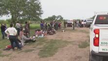 Deshidratados por las altas temperaturas, más de 20,000 migrantes cruzaron la semana pasada la frontera con Texas