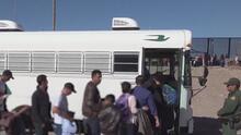 Miles inmigrantes haitianos, centro y sudamericanos parten en caravana hacia EEUU