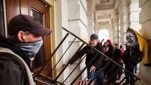 Se quita la vida un cuarto policía que defendió el Capitolio durante el asalto del 6 de enero