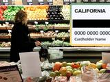 Hasta $300 por hijos por la extensión del programa de ayuda alimentaria en California