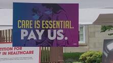 Trabajadores de la salud exigen aumento del salario mínimo a $15 la hora