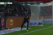 ¡Quería su gol! Rodrigo Aguirre no remata bien y la manda por un lado